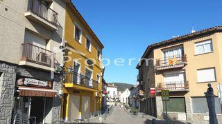 Calle principal Pueblo Órrius. Comercios