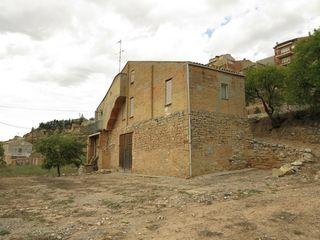 façana posterior i terreny 400 m2