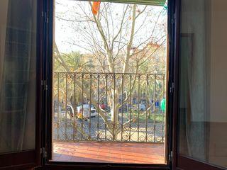 Salida desde el salón al balcón de la viviend
