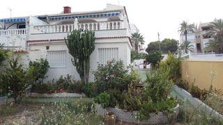 Casa adosada Nueva Torrevieja-Aguas Nuevas. Duplex en lomas