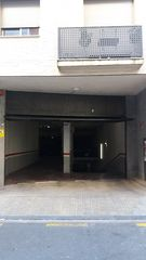 Rent Car parking in Carrer general moragues, 72. Trastero
