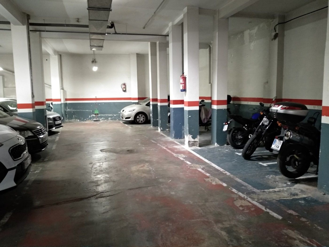 Motorcycle parking in Carrer arbos, 3. 13 plazas de moto grande