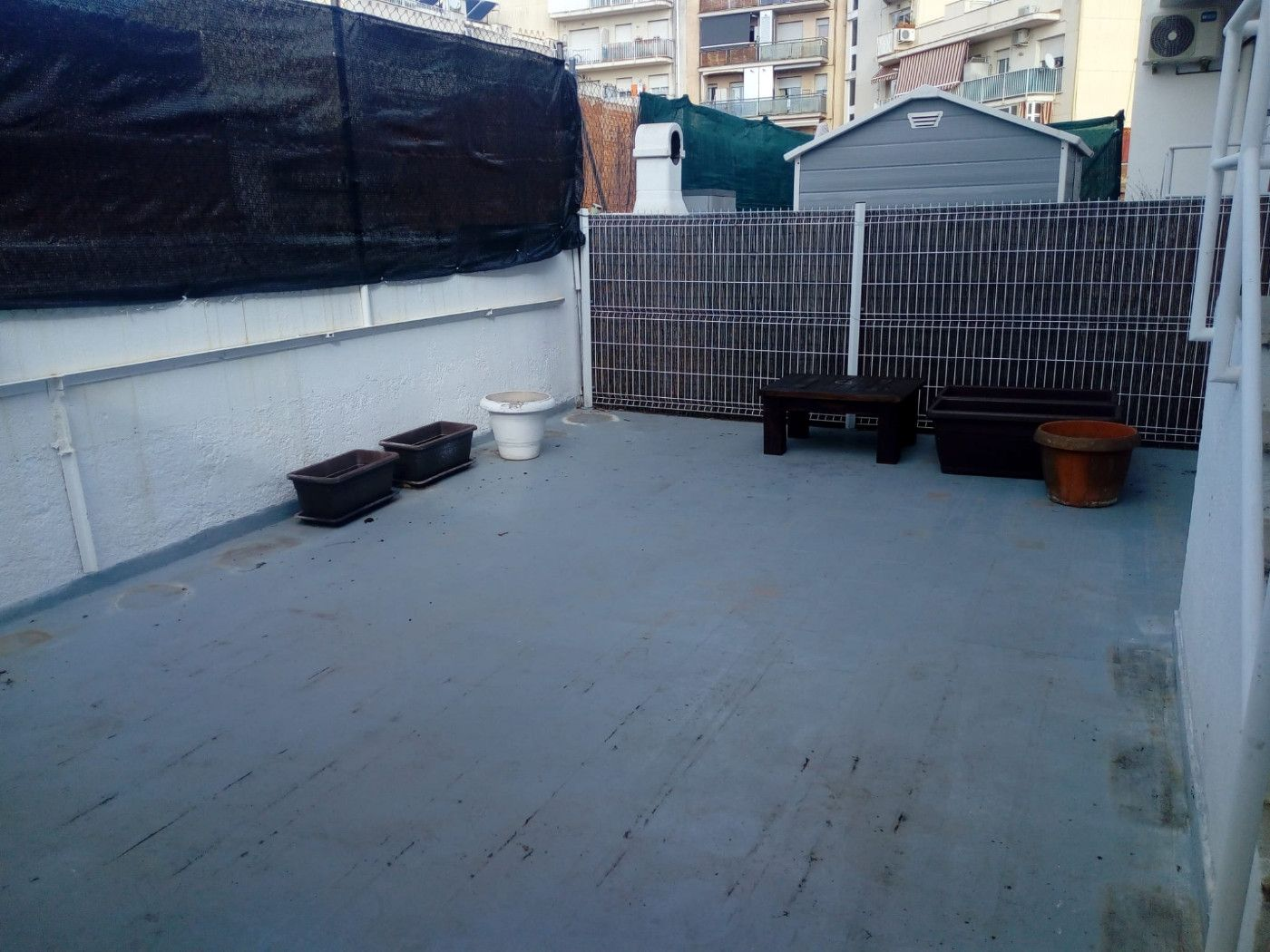 Location Appartement  Carrer almeria. Amplio piso de 4 habitaciones!