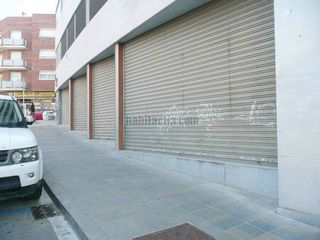 Local commercial  Carrer notari badia. Totalmente equipado
