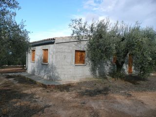 Country house in Ulldecona. A 3 kms del casco urbano ulldeco
