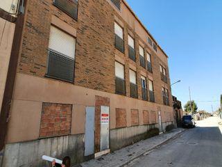 Piso en Castellserà. Piso con 2 habitaciones y ascensor
