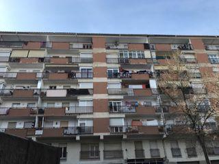 Piso en Veïnat. Piso con 3 habitaciones y ascensor