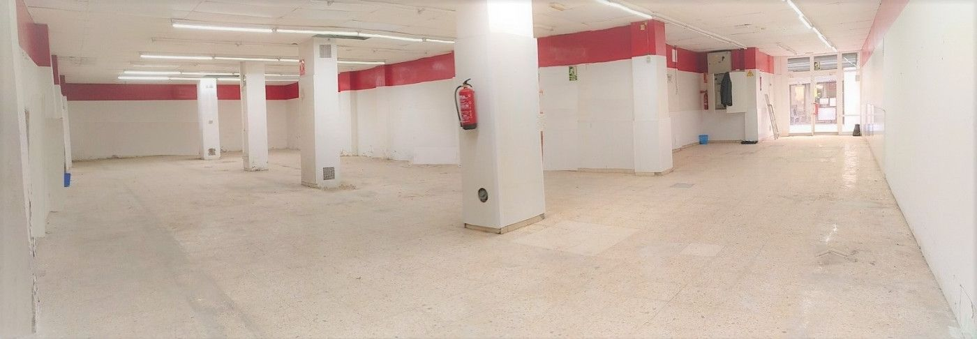 Alquiler Local Comercial en Carrer carme, 64. Local comercial centro badalona