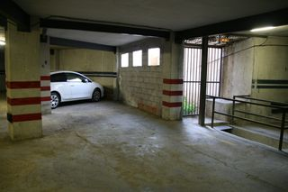 Car parking in Carrer eivissa (d´), 8. Parquing grande entre columnas