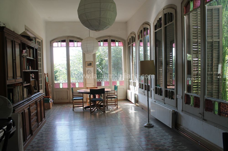 Casa a Carrer quadro, 1. Casa del 1900 amb molt d'encant