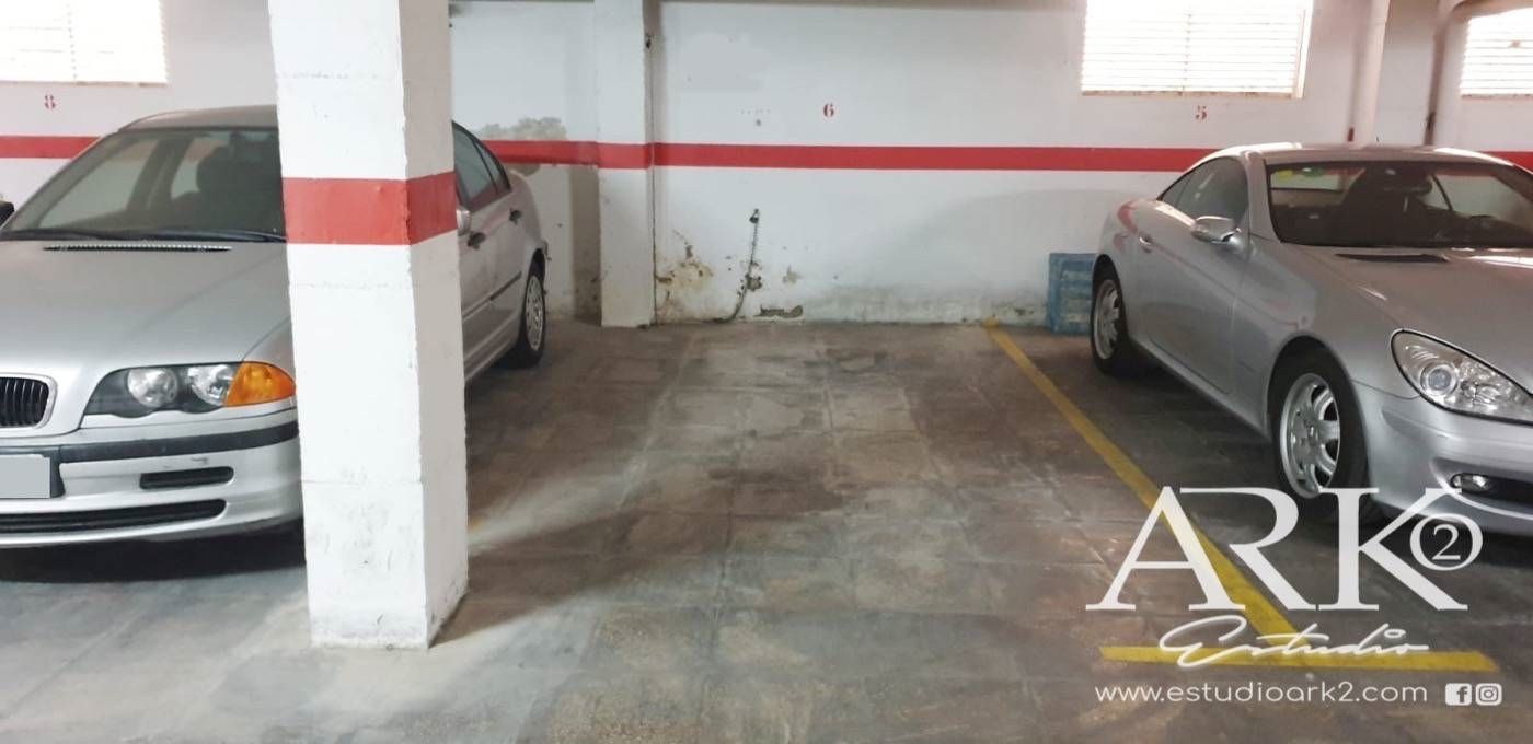Parking voiture  Calle cullera. Plaza de garaje en playa de gand