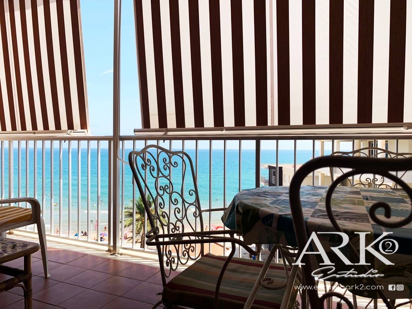 Appartement à Paseo joan miro, 4. Apartamento vistas al mar