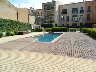 Residence with tenants in Carrer sant jaume, 29. Estudio con piscina comunitaria