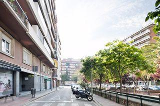 Alquiler Parking coche en Camí vell de sarria, 23. Junto josep tarradellas l5 metro