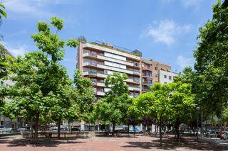 Rent Flat in Camí vell de sarria, 23. Piso 3h. baños, terraza, calef