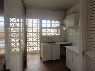Appartement  Calle ademuz. Oportunidad piso con ascensor