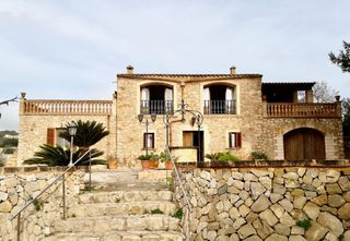 Country house in Carrer son perxana, 4. Señorial, con piscina y vistas