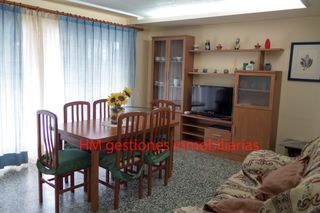 Apartment in Plaza Constitucio, 6