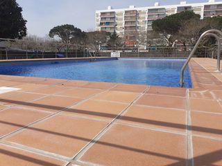 Flat  Avda. mediterráneo. Els pins. piso con piscina.