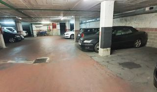 Parking coche en Carrer Major De Sarria, 165