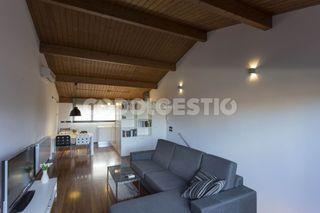 House in Manlleu. Casa con 3 habitaciones, parking, calefacción y terraza