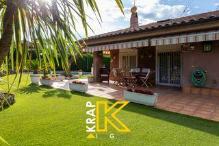 Casa  Sant quirze parc. Jardín de 600 m2 con piscina