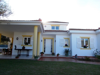 Chalet  Sa caleta. ,una gran villa con piscina