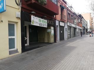 Location Local commercial à Avinguda matadepera, 21. La mejor zona de la avenida