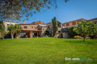 House in Carrer esglesia (de l´), 8. Masia, casa rural con vistas