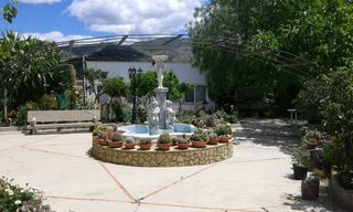 House in Calles. Espectacular chalet con 2000m²
