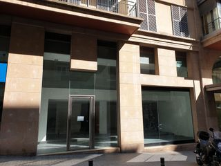 Locale commerciale in Carrer Moragas