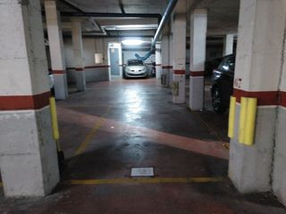 Car parking  Carrer panta. En diferentes barrios