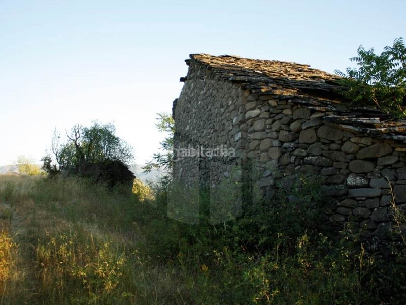 Vista trasera. Country house in Tremp