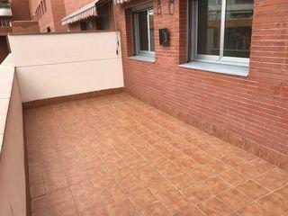Flat  Plaça maria manent. Piso con terraza en els til·lers
