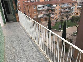 Flat  Carrer mas jornet. Tiene una terraza con vistas.