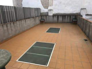 Rent Apartment  Carrer comerc. Con terraza de 40 m2