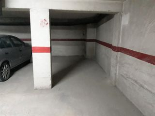 Parking coche en Carrer Alt De Sant Pere, 13
