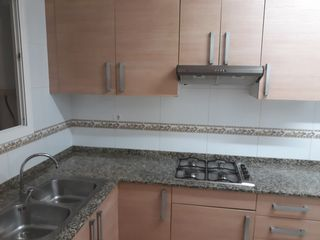 Rent Flat in Carrer galanes, 99. Céntrico, amueblado,sin ascensor