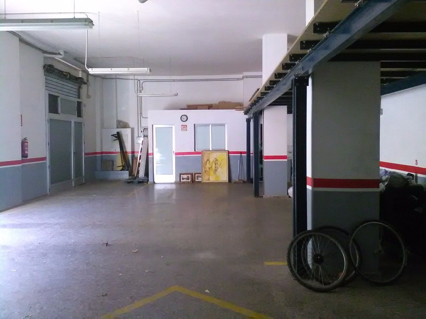 Location Local commercial  Burjassot-godella. Puertas motorizadas