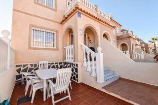 Casa adosada en Calle canarias, 700. Casa adosada en monte y mar alto