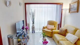 Appartamento  Avinguda vallcarca (de). 3habitac. exterior. sin reformas