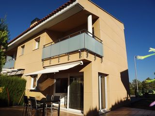 Semi detached house in Carrer secallo (del), 45. Hogar, jardin y tranquilidad