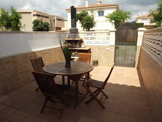 Semi detached house in Carrer alfons i (d´), 32. ¡ una navidad para compartir!