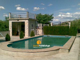 Chalet en Salouet. Chalet con 2 habitaciones amueblado con piscina y calefacción