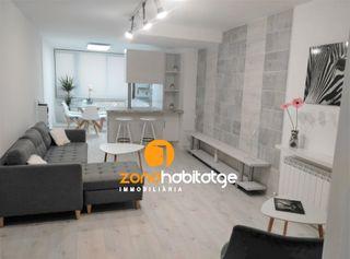 Apartamento  Carrer cronista muntaner. Apartamento con 2 habitaciones amueblado con calefacción