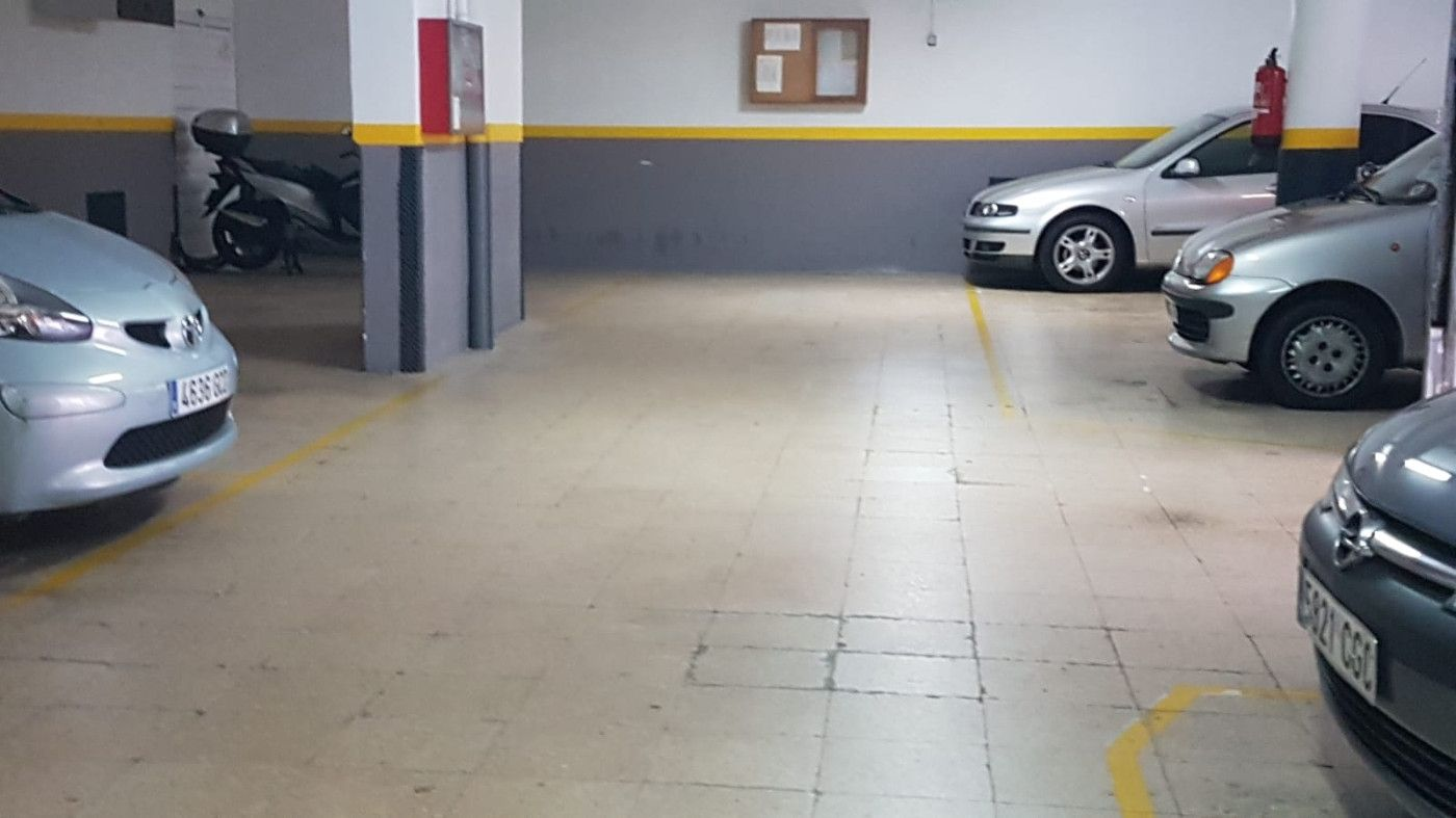 Location Parking moto  Carrer moratin. Para tu moto