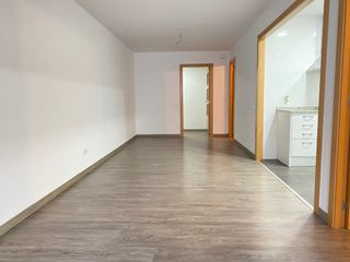 Rent Apartment  Carrer sants