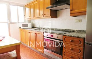 Location Appartement  Calle reina de la. Se alquila planta baja con patio