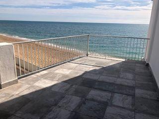 Piccolo appartamento en Avenida del papa luna, 291. Apartamento enfrente playa arena