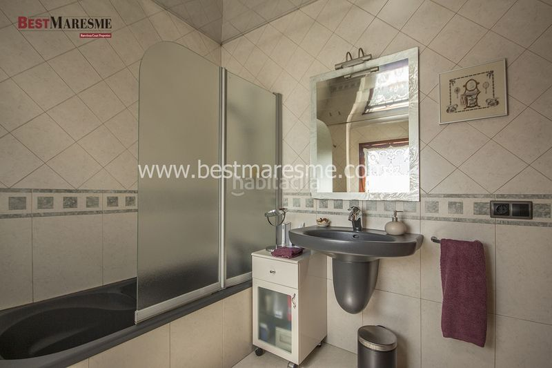 Baño. Haus in carrer transformador in Sant Vicenç de Montalt